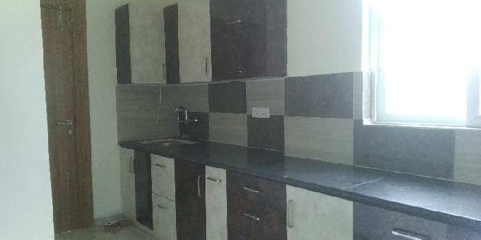 Flat for rent at kanpur road
