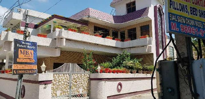 Self built up house Kothi for sale at posh colony