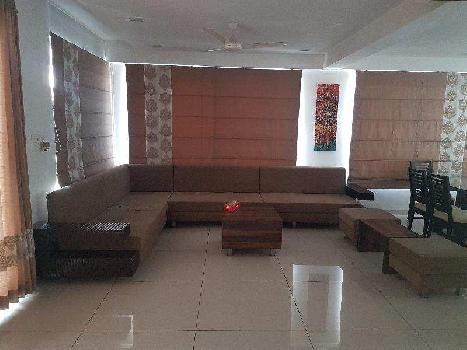 2500 Sq. Feet Penthouse for Sale in Alkapuri, Vadodara
