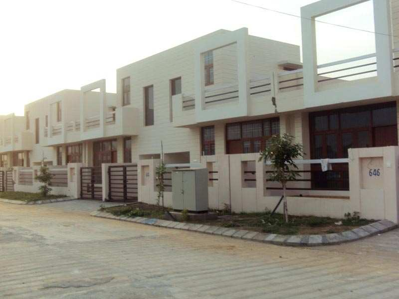 6 BHK Bungalow are Available in Posh Society
