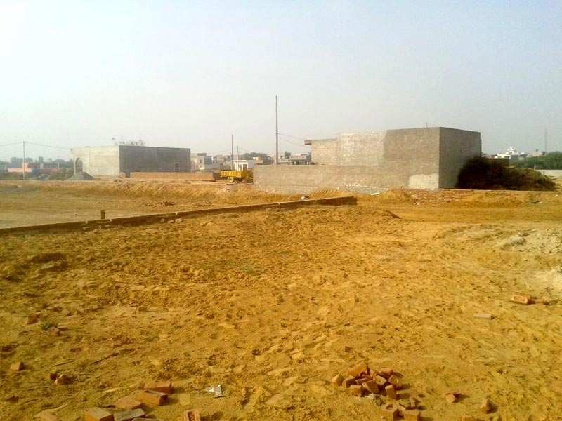 Available Plot For Sale in Well Develop Area