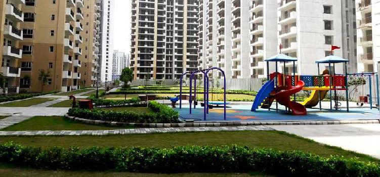 3 BHK Flats & Apartments for Sale in Sector 16, Greater Noida