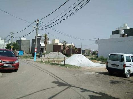 Plot for sale defence empire greater noida tilapta 100 sqyds 14.50 Lac