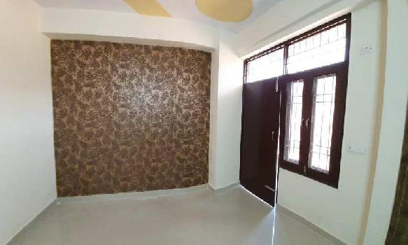 Builder floor for sale metro apartment 2bhk.875 sqft 27.50 lac