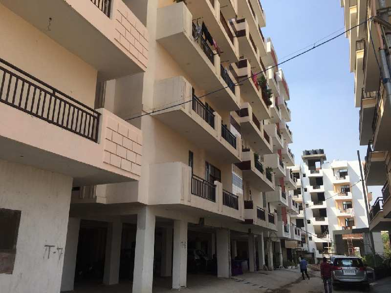 Builder floor for sale Palm valley Noida extension 2bhk.855 sqft 21.50 lac