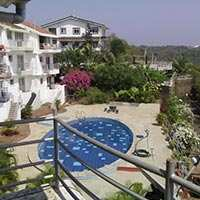 A Beutifull 4 Bhk Flat for Salr Near Reis Magos Fort with Swimming Pool