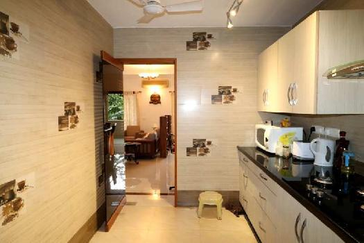 3Bhk 198sqmt flat Semi-furnished for Sale in Miramar, North-Goa.(3Cr)