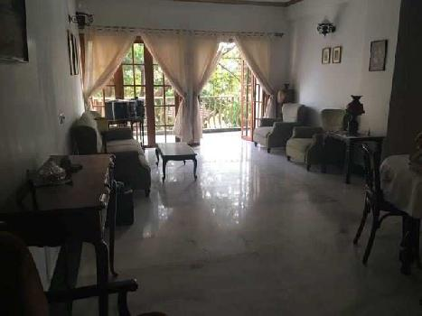 2 Bhk 128sqmt flat Semi-furnished for Sale in Miramar, North-Goa.(1.75Cr)