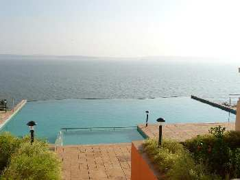 2Bhk 120sqmt Seaview flat furnished for Rent in Donapaula, North-Goa.(38k)