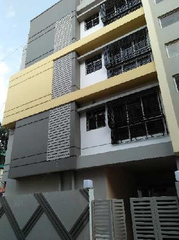 2 BHK Flats & Apartments for Sale in Tollygunge, Kolkata