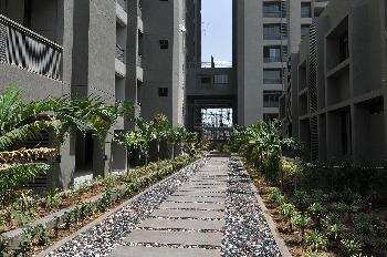 3 BHK Flats & Apartments for Sale in 200ft Ring Road, Ahmedabad