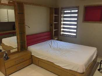 3 BHK Flats & Apartments for Sale in Bodakdev, Ahmedabad