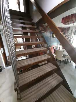 4 Bhk Fully Furnished Duplex Flat For Sale