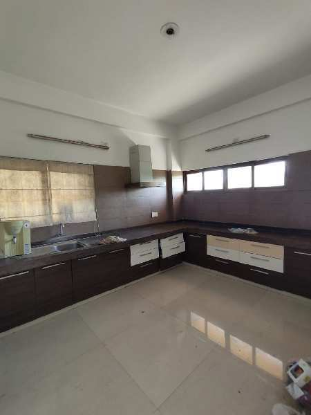 3 BHK Flats & Apartments for Rent in Sindhubhavan Road, Ahmedabad