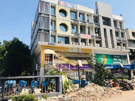 Fully Furnished Office for Rent at C.G. Road - Sachet 1