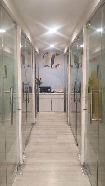 camecl space for rent