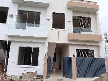 Low Budget house in Amrit Vihar