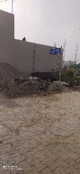 corner plot In Amrit vihar jalandhar