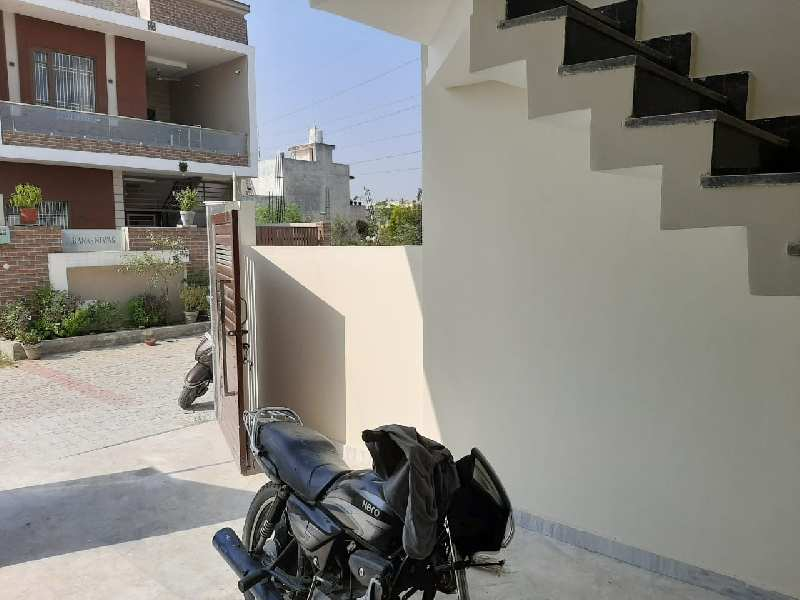 Great Deal ! 3 Bedrooms Set House Available At Best Location (Venus Velly)