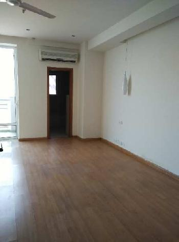 This is a 4 bhk + 1 servent room apartment is avialable for rent in Dlf Aralias  in Sector 54 ,Golf course road . This proprty available is Tower E.