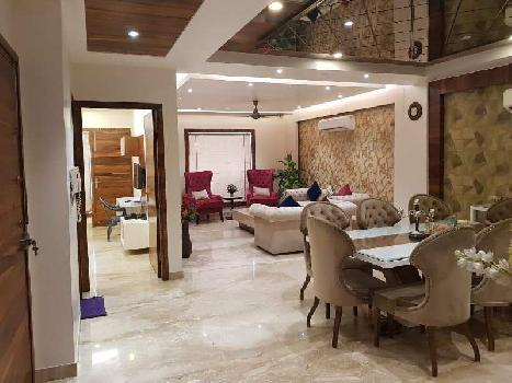 This is a 4 bhk + 1 servant room apartment is available for rent in Dlf Belaire in Sector 54 ,Golf course road . This proprty available is Tower E.
