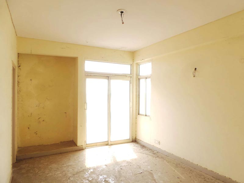 Ready to Move 2bhk Flat in Omaxe City