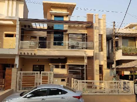 Huge House In 200 Gajj In Mohali