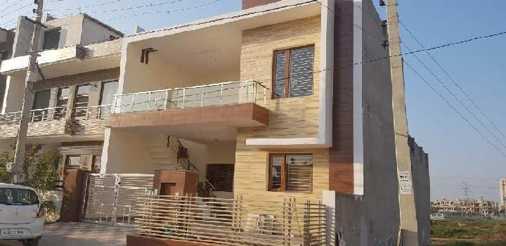 200 Gajj 3bhk house in Sec-125 Sunny Enclave
