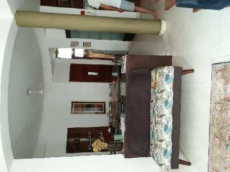 3 BHK Flats & Apartments for Sale in Sadhana Enclave, Panchsheel Park, Delhi
