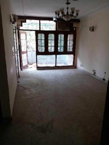 3 BHK Builder Floor for sale in Pocket 52 first floor c r park., Chittaranjan Park, New Delhi - Sou
