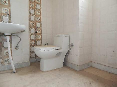 2 BHK builder floor flat available for sale in khanpur, bank colony