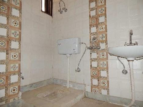 2 BHK Builder floor flat available for sale in bank colony, khanpur