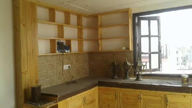 3 BHK Builder floor flat available for sale in raju park