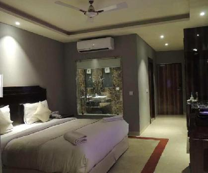 25 Rooms 4 Star Hotel on Lease in South Delhi near IGI Airport