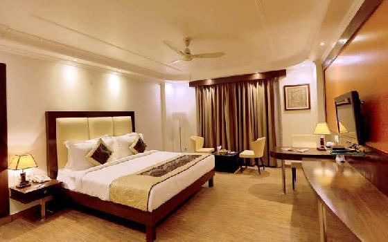 57 Keys, 4 Star Hotel for Sale in Haridwar near Har ki Paudi