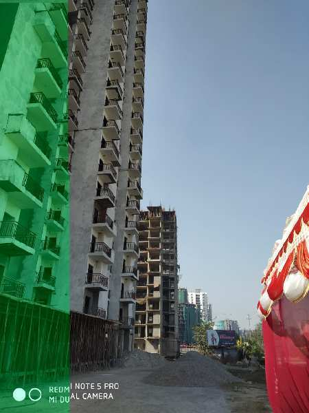 216 Sq.ft. Commercial Shops for Sale in Greater Noida West, Greater Noida