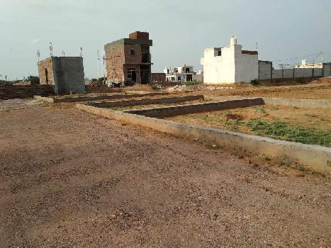 Budgeted plots are available for sale at sneh vihar near maruti kunj road