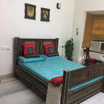 5 BHK Builder Floor for Sale in Nirvana Country, Gurgaon