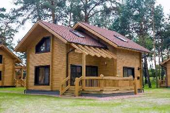 Wooden Bunglow for sale in Wai