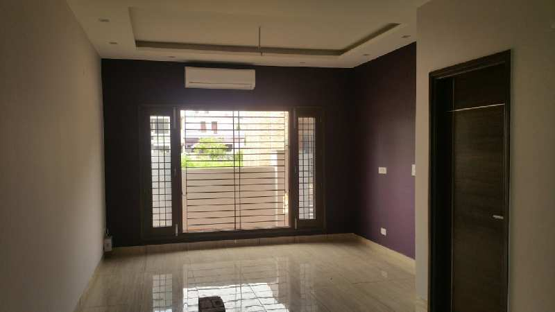 2 BHK Builder Floor for sale in Sector 82 , Gurgaon