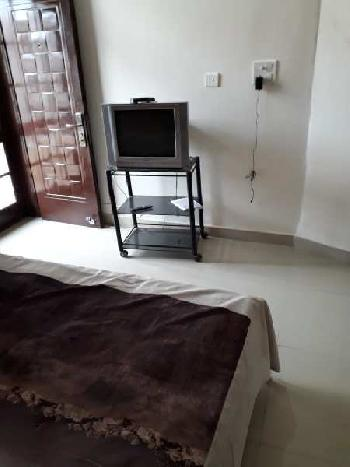 Fully furnished flat for rent on vip road zirakpur