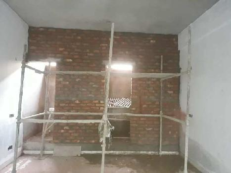 Ready to move showroom for sale on v ip road zirakpur