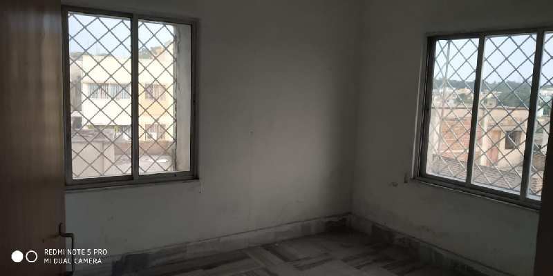 3 Bhk Flat Sale in Near by Court More Area.